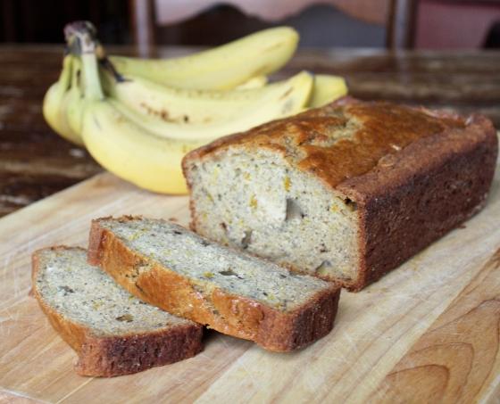 Walnut Banana Bread Recipe | @haleydwilliams